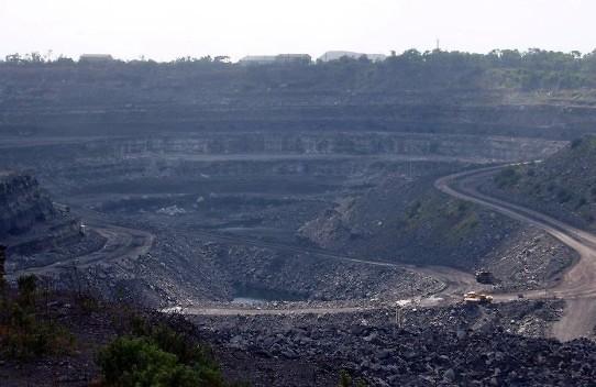 Coal_mine_in_Dhanbad,