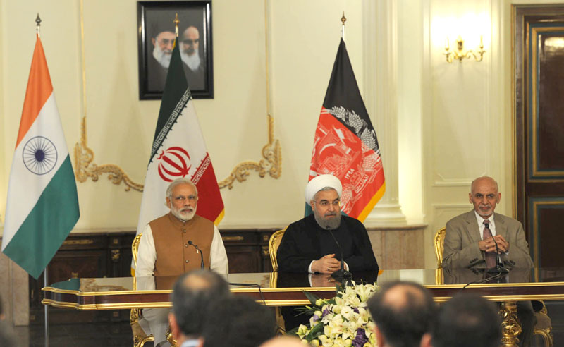 The Prime Minister, Shri Narendra Modi, the President of Iran, Mr. Hassan Rouhani and the President of Afghanistan, Dr. Mohammad Ashraf Ghani, witnessing the Signing of Trilateral Agreement between India, Afghanistan and Iran, in Tehran on May 23, 2016.